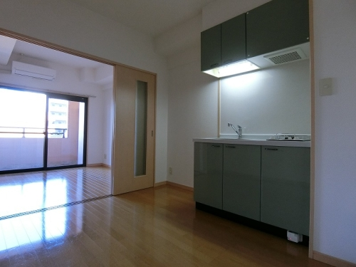 サンパティーク高宮 / 302号室キッチン