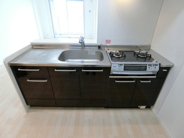 フローレス大橋 / 502号室キッチン