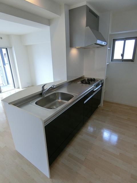 ボヌール レーベン / 401号室キッチン