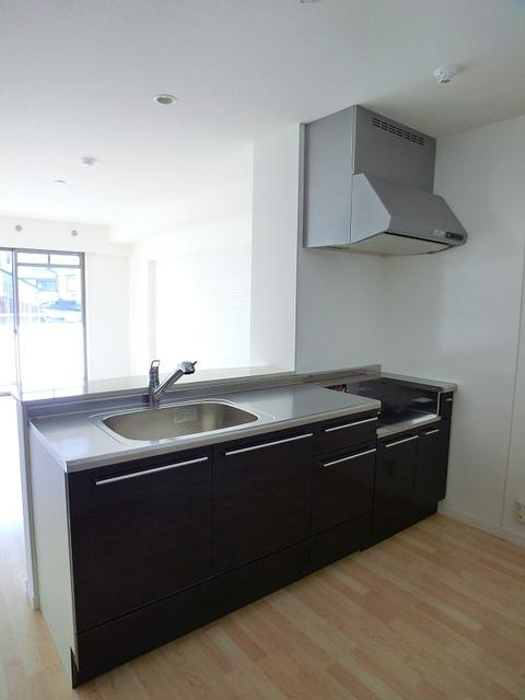 ココテラスK / 305号室キッチン