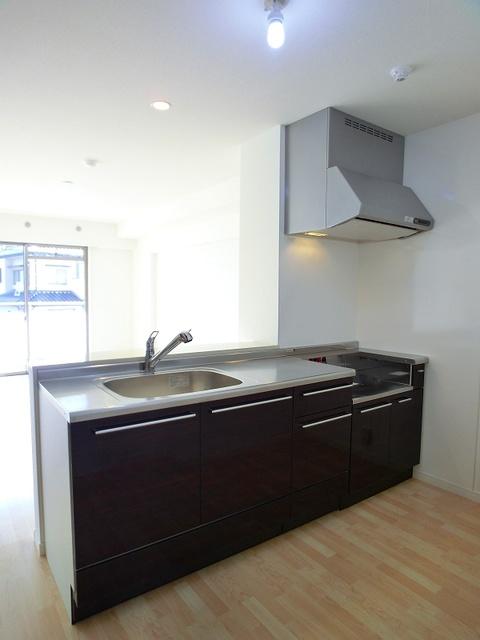 ココテラスK / 403号室キッチン