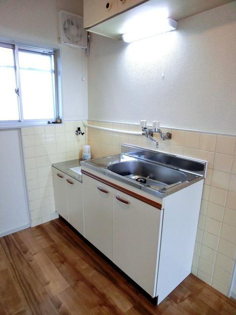 サンライズコーポ / 203号室キッチン