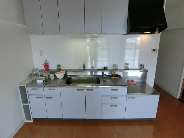 紙屋ビル / 502号室キッチン