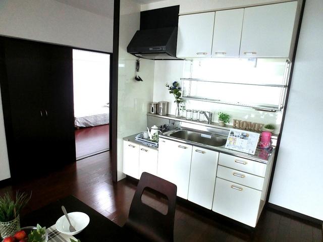 紙屋ビル / 503号室キッチン