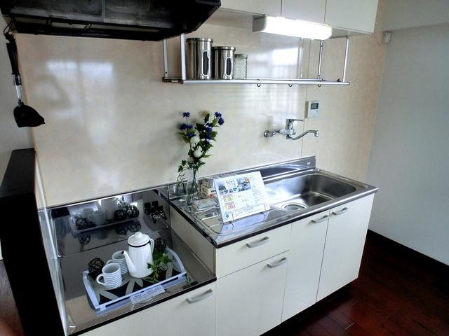 紙屋ビル / 601号室キッチン