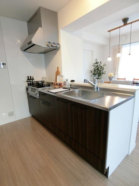 ボヌール メゾン / 201号室キッチン