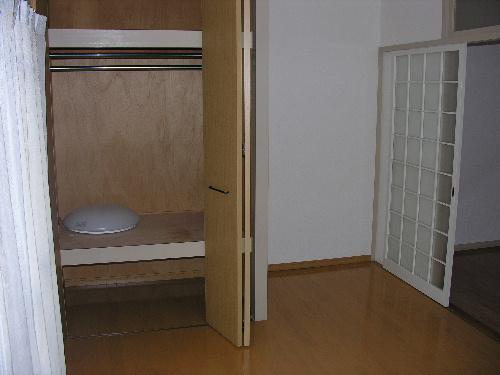 山本ビル / 203号室