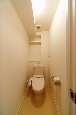 イーストパル博多Ⅱ / 201号室トイレ