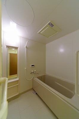 イーストパル博多Ⅱ / 401号室バス