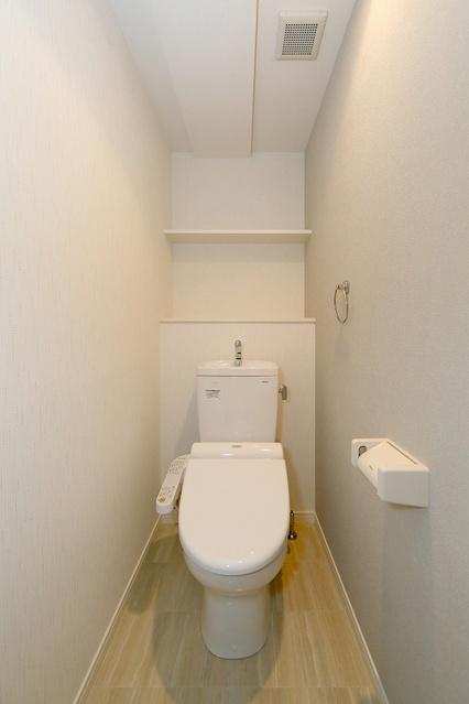 コンフォート・レジデンス / 302号室トイレ