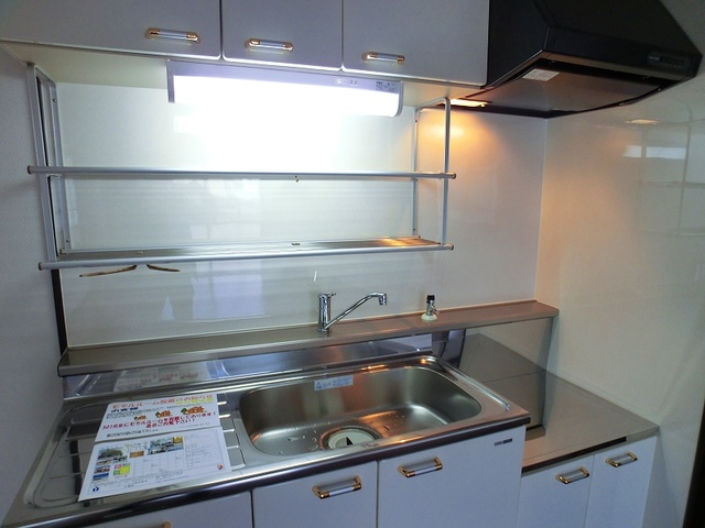 紙屋ビル / 406号室キッチン