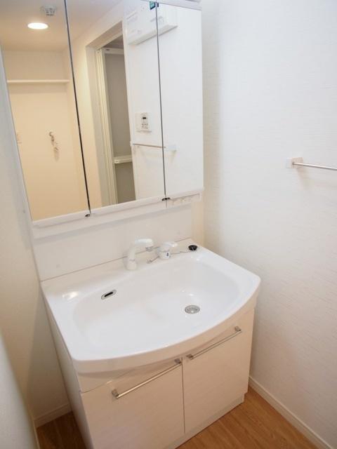 プラス カナール / 505号室洗面所