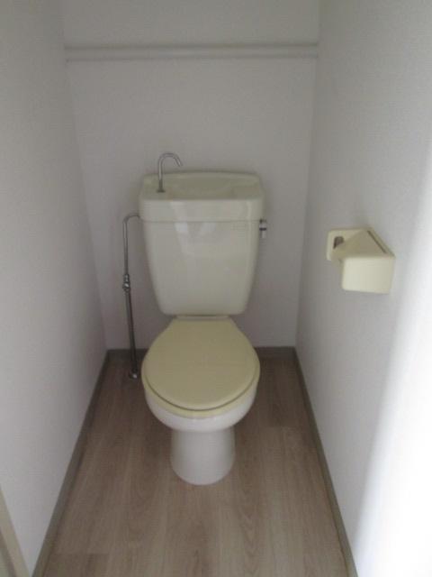 三丁目ビル / 202号室トイレ