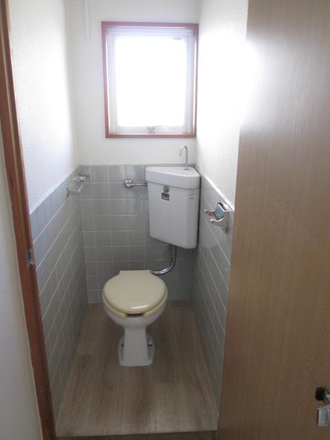 永松ビル / 201号室トイレ