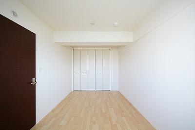 イーストパル博多Ⅱ / 802号室洋室