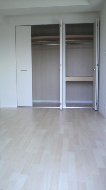 グランドゥール清水 / 502号室洋室