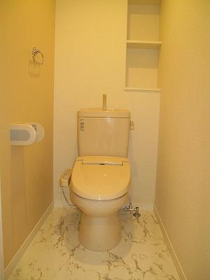 グラン・ジュテM / 403号室トイレ