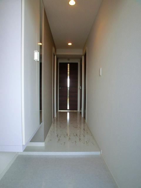 パーク ストリーム / 303号室玄関