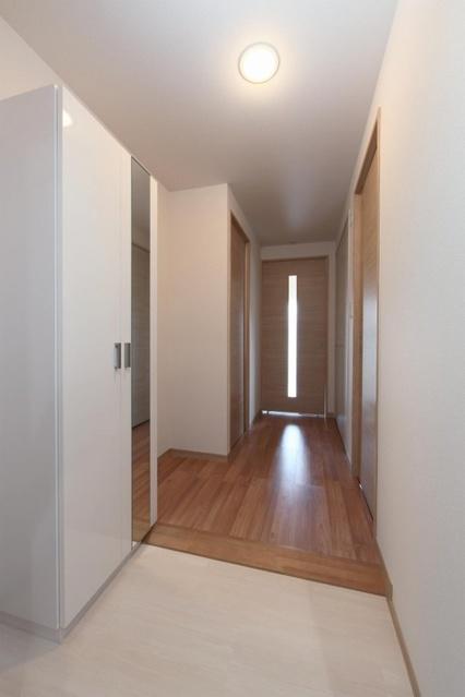 オリオン3 / 302号室玄関