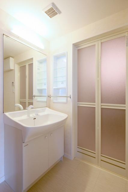 ボヌール レーベン / 103号室洗面所