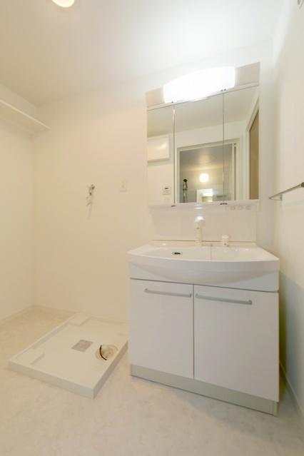 ボヌール レーベン / 502号室洗面所