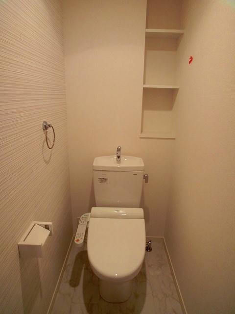ココテラスK / 303号室トイレ