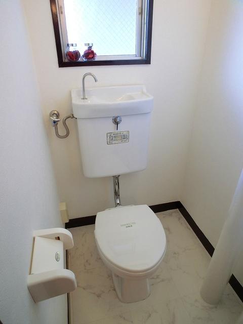 紙屋ビル / 601号室トイレ