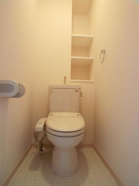 ラヴィ ヌーヴォ / 205号室トイレ