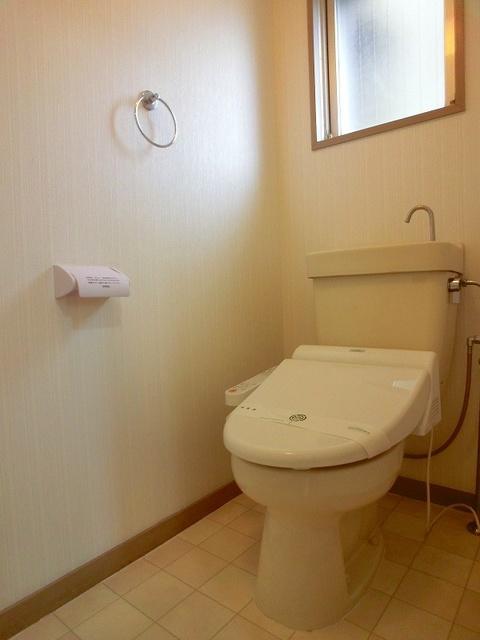重松ビル / 202号室トイレ