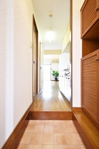 グルニエS・T / 205号室玄関