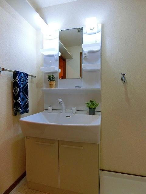 パラディ211 / 101号室洗面所