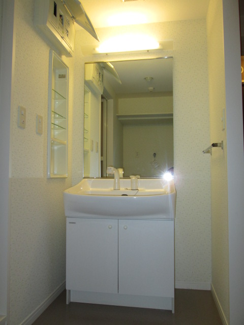 イーストパル博多Ⅱ / 601号室洗面所