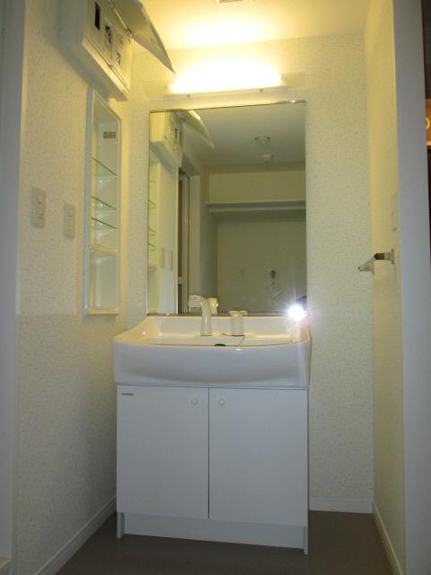 イーストパル博多Ⅱ / 702号室洗面所