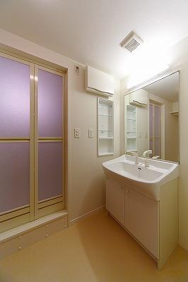イーストパル博多Ⅱ / 1002号室洗面所