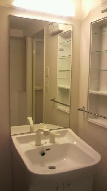 グランドゥール清水 / 601号室洗面所