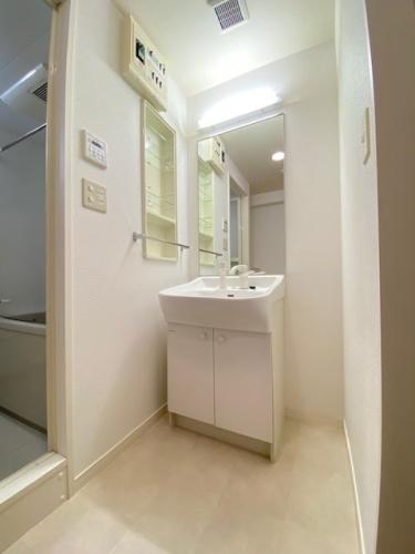 グランドゥール清水 / 702号室洗面所