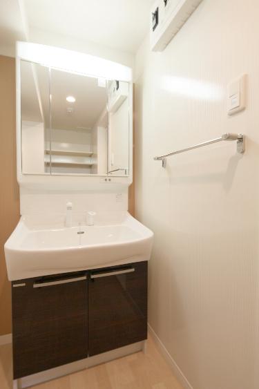 ソシアルーチェ / 101号室洗面所