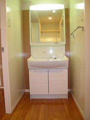 グラン・ジュテM / 403号室洗面所