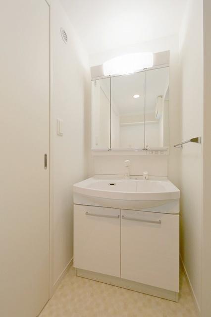 グランディア清水 / 601号室洗面所