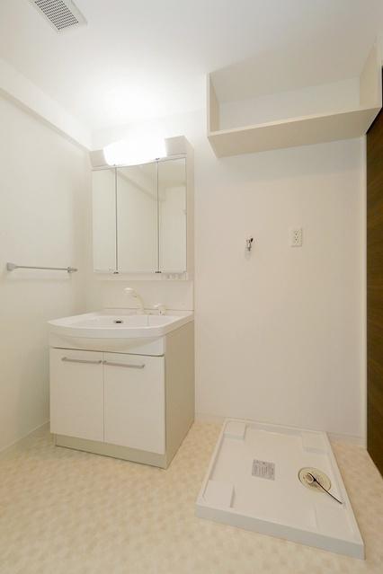 グランディア清水 / 702号室洗面所