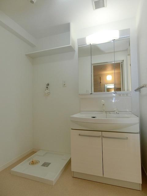 フローレス大橋 / 703号室洗面所