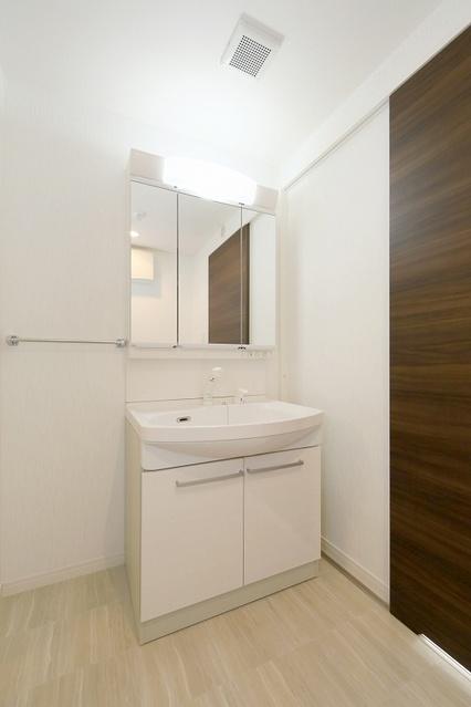 コンフォート・レジデンス / 401号室洗面所