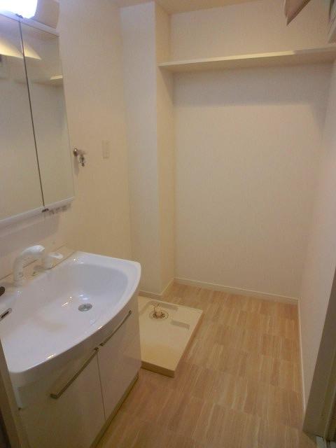 コンフォート・レジデンス / 503号室洗面所