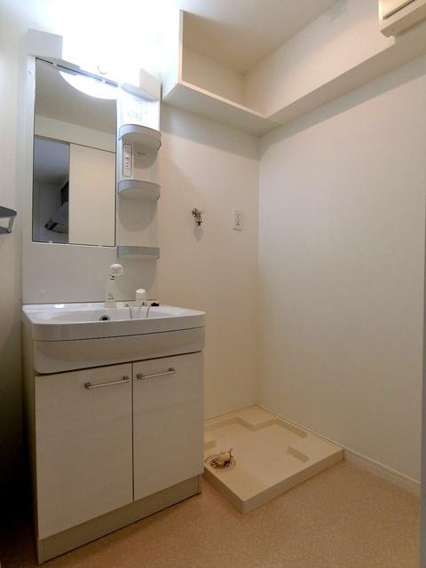 フィオーレ大橋 / 302号室洗面所
