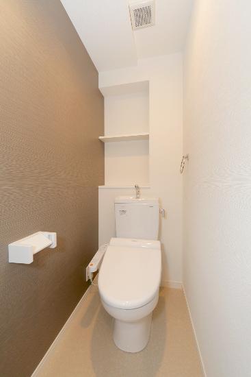 ボヌール レーベン / 101号室トイレ