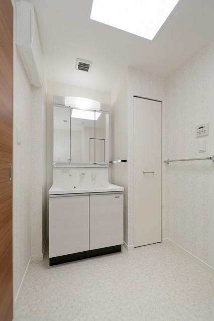 ボヌール レーベン / 402号室洗面所