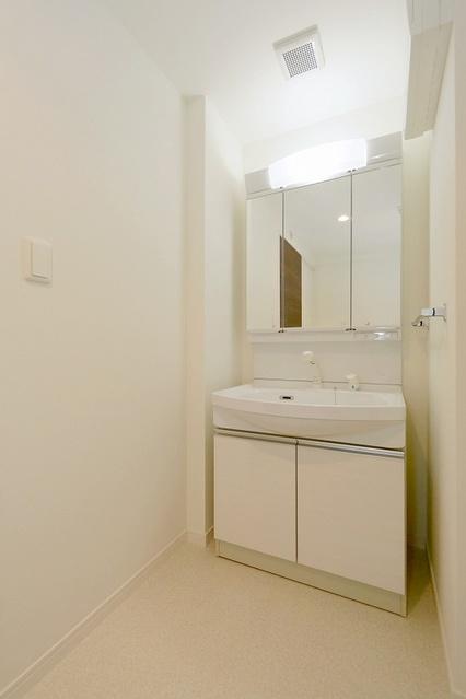ボヌール レーベン / 702号室洗面所