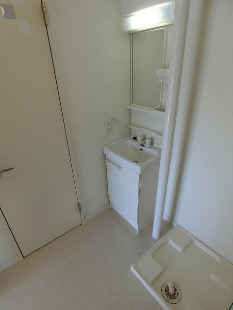 船越(義)ビル / 301号室洗面所