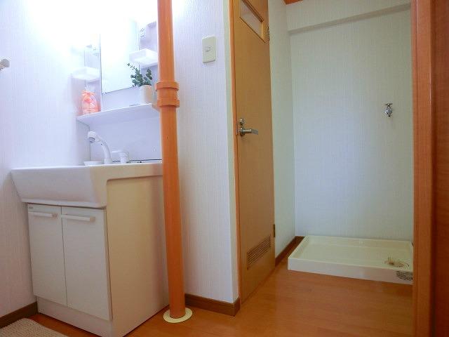 船越(義)ビル / 405号室洗面所