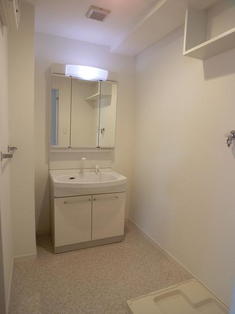 シャトーポルターダ博多南 / 401号室洗面所
